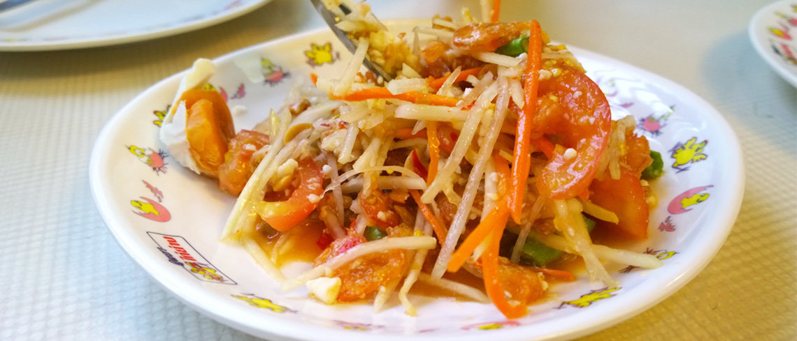 som tam food for holiday in thailand