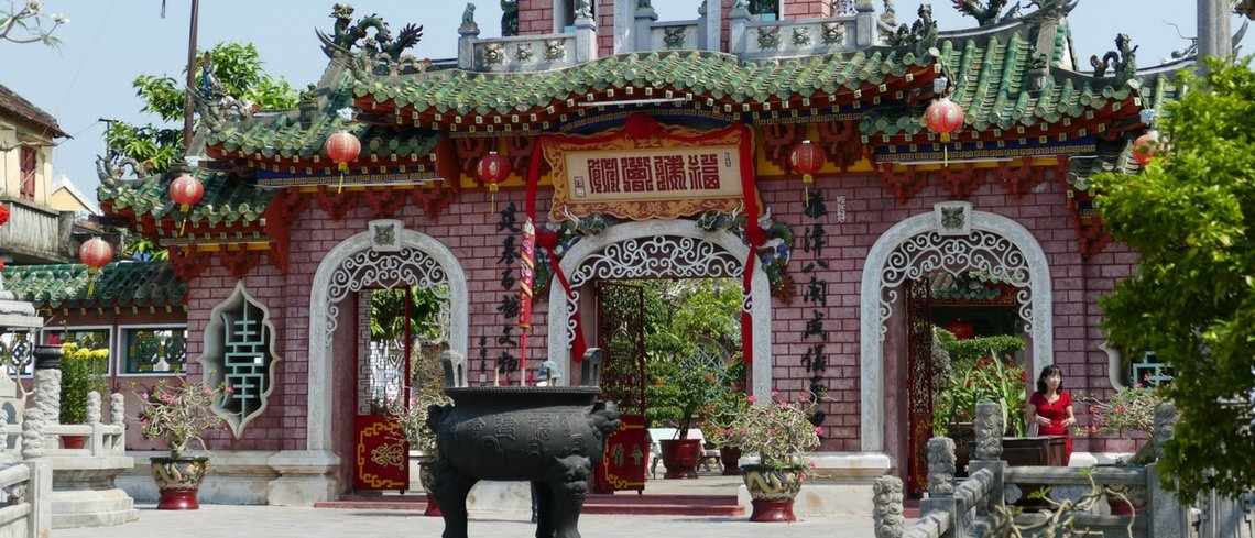 Museum & pagoda browsing in Hoi An